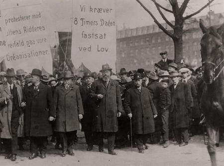 Stauning i spidsen for 1. maj optoget 1925