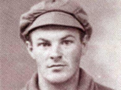 Inden Villy tog til Spanien i 1937, fik han en kort militæruddanelse i Sovjet. Billedet skal være taget i den forbindelse.