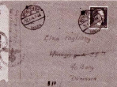 Under opholdet skrev Villy og hans kone Elna mange breve til hinanden. Som man kan se af konvolutten, blev brevene åbnet og censureret