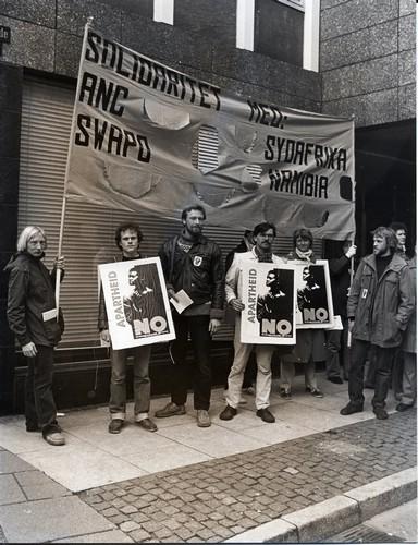 demonstration-ved-konsulatet-1982