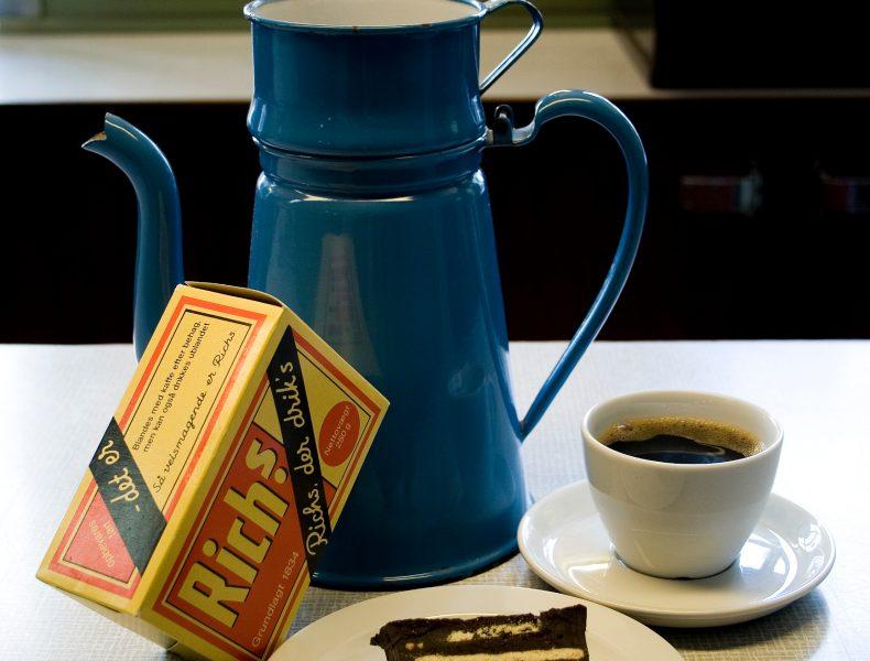 The Coffee Shop>