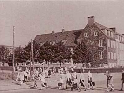 Udbygningen af skolevæsenet var en vigtig del af tanken om kommunesocialisme.