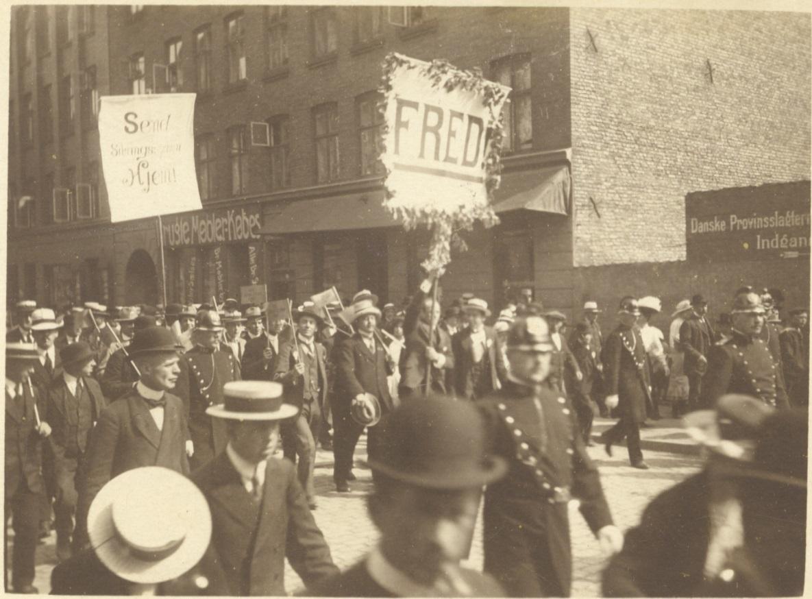 SUF demo 1915