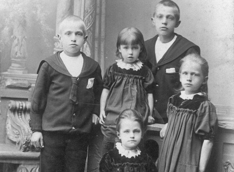 9343 Henry, Christian, Olga, Anna og Yrsa